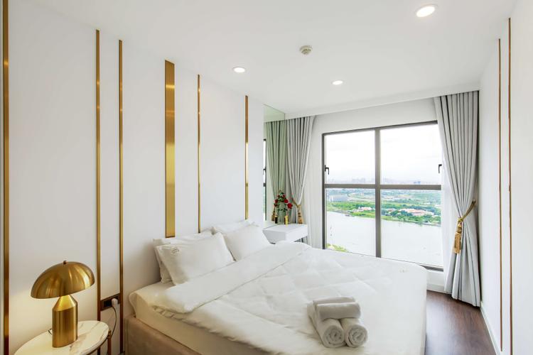 Căn hộ Saigon Royal, Quận 4 Căn Hộ Saigon Royal tầng 33 ban công hướng Đông Bắc, đầy đủ nội thất.