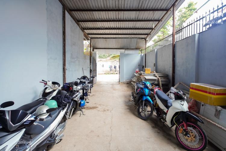 Sân nhà phố Quận 9 Bán nhà hẻm Ấp Cây Dầu, Tân Phú, Quận 9, sổ đỏ, DT đất 142m2, gần cầu vượt trạm 2