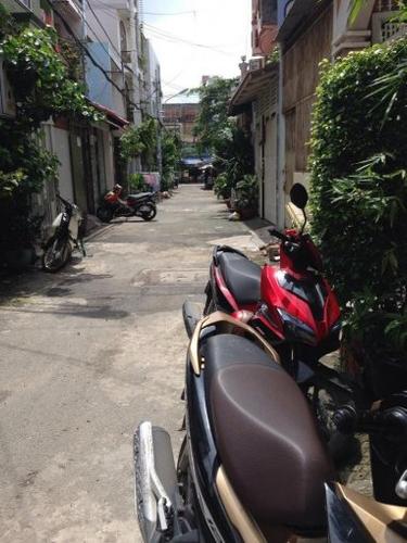 Nhà phố Quận Tân Phú Nhà phố hẻm rộng 5m cửa hướng Đông Nam, khu dân cư hiện hữu.