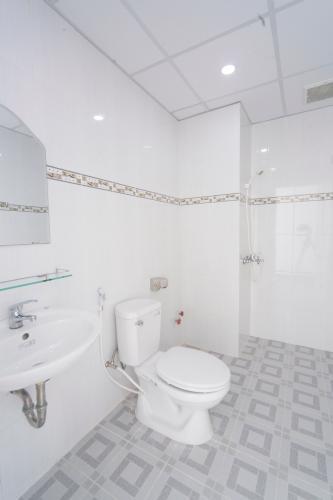 Văn phòng Xuân Hồng, Tân Bình Văn phòng đầy đủ tiện ích, có bãi giữ xe dưới tầng hầm.