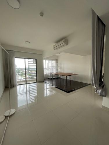Căn hộ The Sun Avenue tầng 8 thiết kế 2 phòng ngủ, nội thất cơ bản.