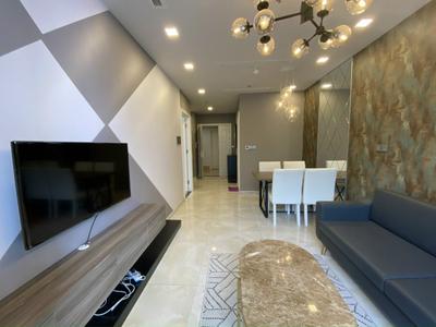 Căn hộ hạng sang Vinhomes Golden River tầng 47, bàn giao đầy đủ nội thất.