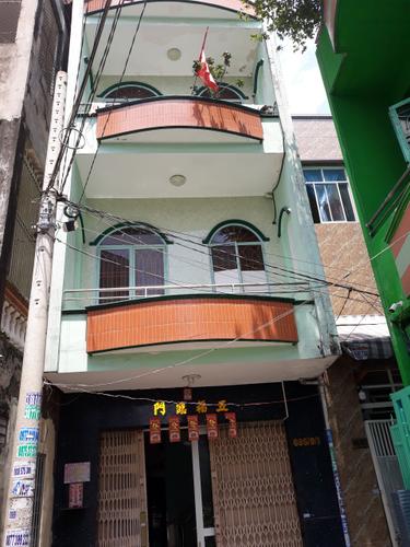 Nhà phố hẻm xe tải đường An Dương Vưởng, kết cấu 1 trệt 3 lầu đúc.