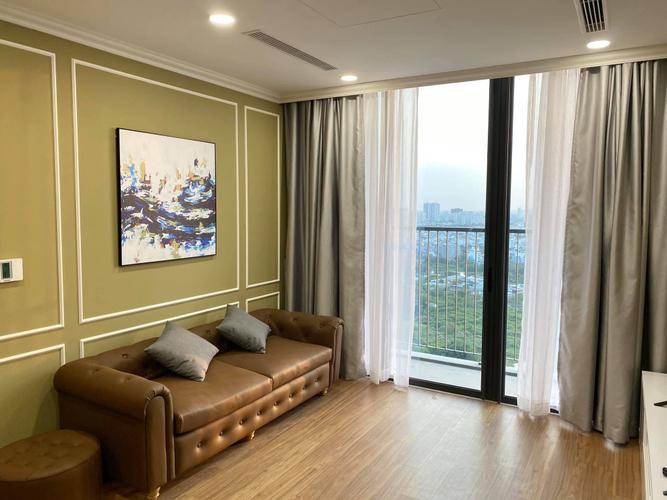 Căn hộ Eco Green Saigon tầng 25 cửa hướng Đông Nam, đầy đủ nội thất.