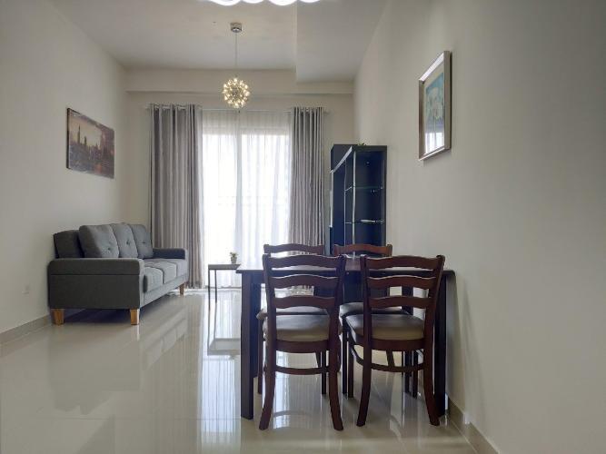 phòng khách căn hộ The Sun Avenue Căn hộ tầng 15 The Sun Avenue nội thất đầy đủ, cửa chính hướng Tây Nam