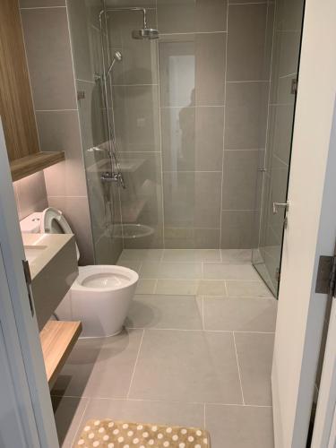 toilet căn hộ City Garden Căn hộ City Garden ban công hướng Nam, thiết kế hiện đại