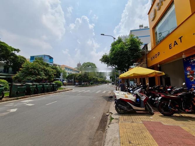 Đường trước mặt bằng kinh doanh Quận Tân Phú Mặt bằng kinh doanh kết cấu 1 trệt, 2 lầu khu vực dân cư sầm uất.