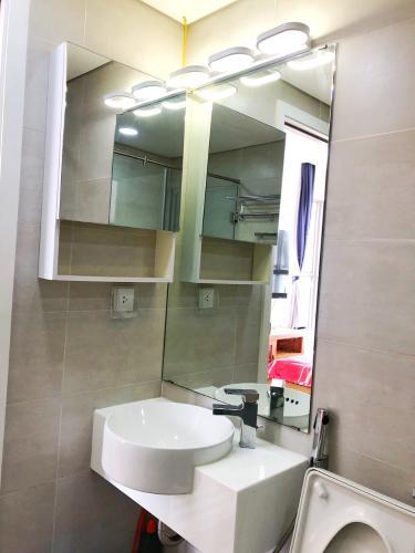 Phòng tắm Masteri Millennium Quận 4 Căn hộ tầng cao Masteri Millennium nội thất hiện đại, view Q1.