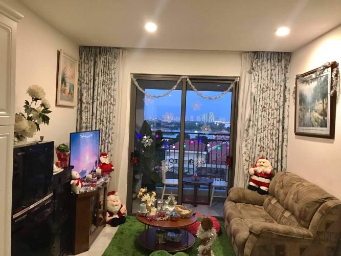 Phòng khách căn hộ Saigon Royal Office-tel tầng trung Saigon Royal view thành phố thoáng mát, cực đẹp.