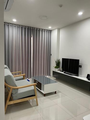 Căn hộ Saigon Royal tầng 14 thiết kế hiện đại, đầy đủ nội thất.