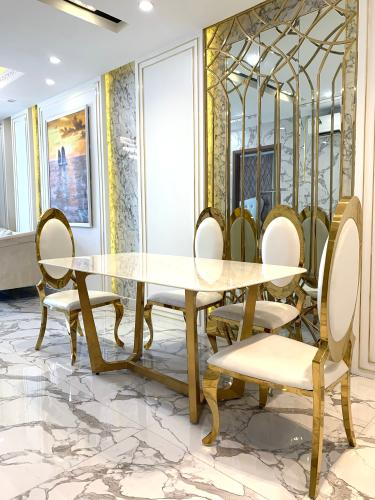 Phòng bếp Hado Centrosa Garden, Quận 10 Căn hộ Hado Centrosa Garden đầy đủ nội thất, view thành phố.