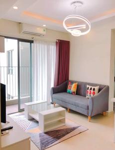 Căn hộ Masteri Thảo Điền tầng 31 có 2 phòng ngủ, đầy đủ nội thất.