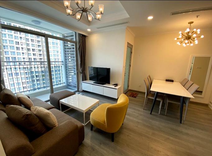 Căn hộ Vinhomes Central Park, Quận Bình Thạnh Căn hộ tầng 15 Vinhomes Central Park có 2 phòng ngủ, đầy đủ nội thất.