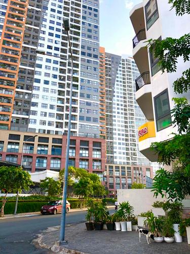 Nhà phố Quận 2 Nhà có 1 trệt, 3 lầu 1 hầm diện tích 115.2m2, đối diện can hộ The Sun Avenue.