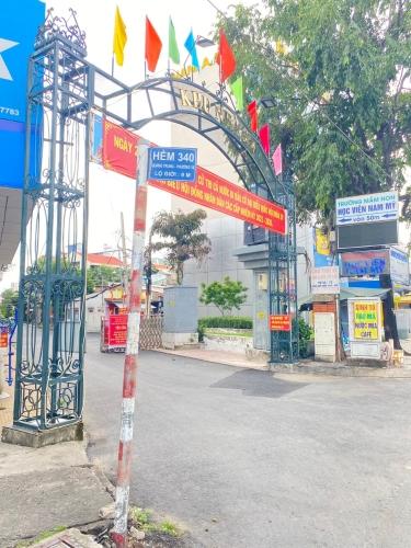 đường vào Nhà phố Quận Gò Vấp Nhà phố có 2 mặt tiền hẻm xe hơi thông thoáng, sát UBND Quận Gò Vấp.