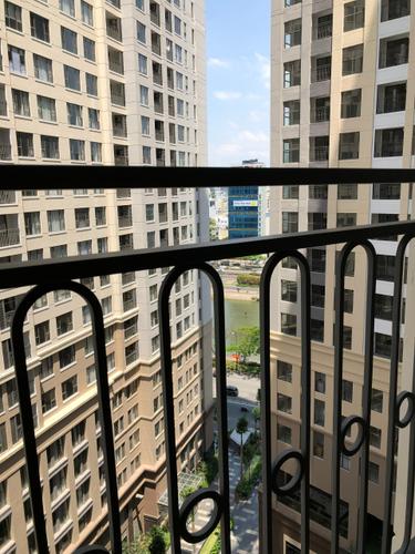 View căn hộ Saigon Royal, Quận 4 Căn hộ Saigon Royal tầng 11 view nội khu yên tĩnh, tiện ích đầy đủ.