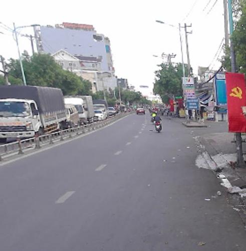 Đường trước nhà phố Quận Bình Tân Nhà phố cửa hướng Nam thiết kế 1 trệt, 1 lầu thoáng mát, không có nội thất.