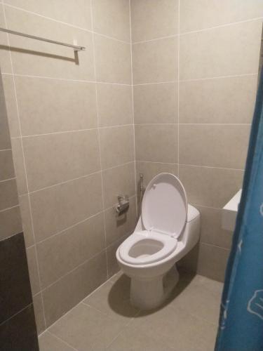 Phòng tắm căn hộ The Sun Avenue, Quận 2 Căn hộ The Sun Avenue tầng cao nội thất cơ bản, tiện ích đầy đủ.