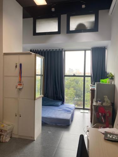 Phòng ngủ căn hộ The Sun Avenue, Quận 2 Căn Office-tel The Sun Avenue ban công rộng rãi thoáng mát.