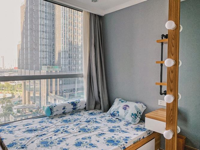 Căn hộ Vinhomes Central Park, Quận Bình Thạnh Căn hộ Vinhomes Central Park tầng 9, với phòng ngủ view nội khu yên tĩnh.