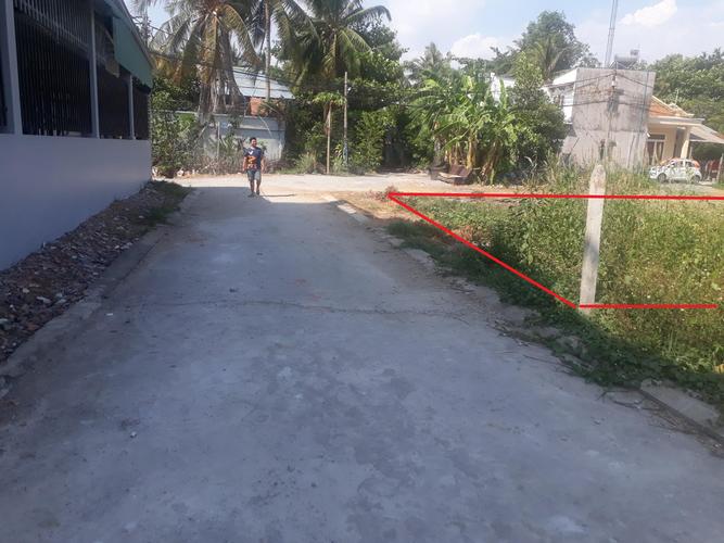 Đất nền thổ cư diện tích 240m2, sát bên UBND phường Long Phước.