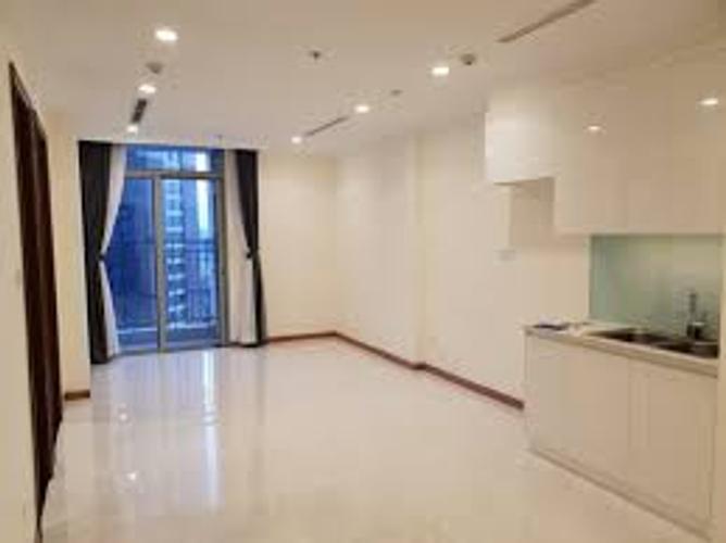 Căn hộ Vinhomes Central Park tầng 30 có 12 phòng ngủ, không gian thoáng mát.
