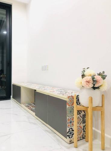 kệ TV căn hộ Sunshine City Saigon Office-tel Sunshine City Saigon thiết kế hiện đại và tinh tế.