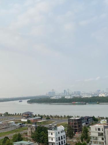 View căn hộ One Verandah, Quận 2 Căn hộ One Verandah tầng 12 ban công rộng rãi, view sông thoáng mát.