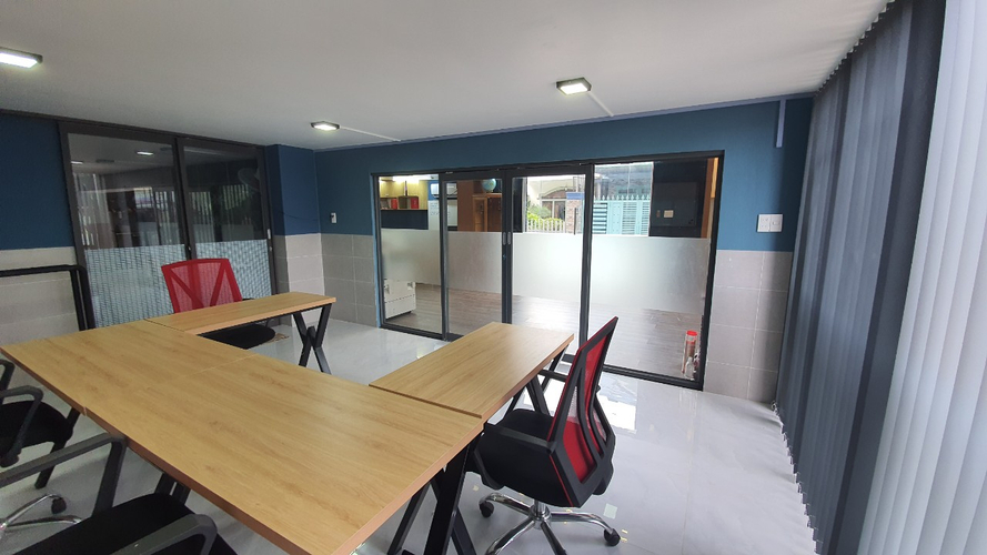 Văn phòng Quận Thủ Đức Văn phòng 1 trệt, 1 lầu căn góc thoáng mát, khu vực an ninh và yên tĩnh.