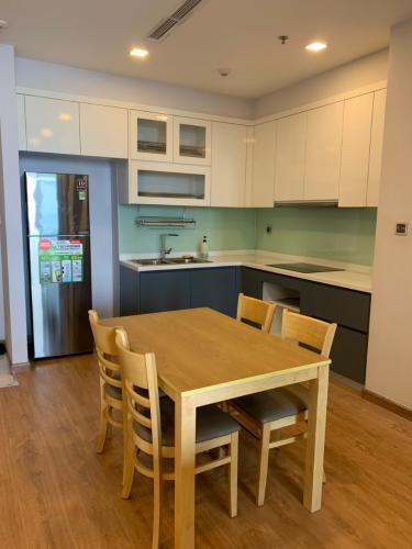 phòng bếp căn hộ Vinhomes Central Park Căn hộ Vinhomes Central Park tầng 10 nội thất đầy đủ, sàn lót gỗ