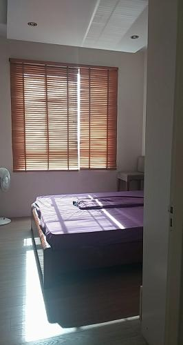phòng ngủ căn hộ 2 phòng ngủ tropic garden Căn hộ Tropic Garden tầng trung, hướng Tây Bắc.