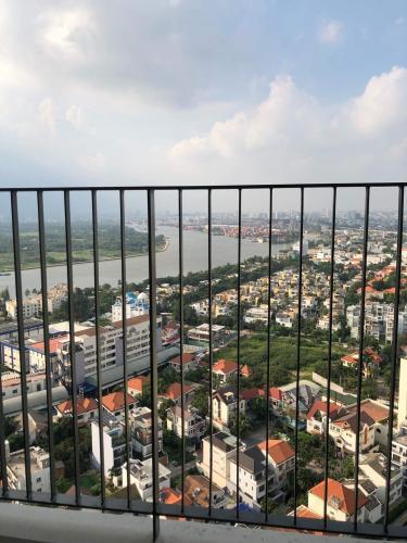 View căn hộ Masteri An Phú, Quận 2 Căn hộ Masteri An Phú tầng 27 thiết kế hiện đại, không có nội thất.