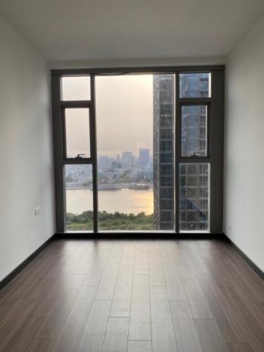 Căn hộ Empire City tầng 20 view sông thoáng mát, nội thất cơ bản.