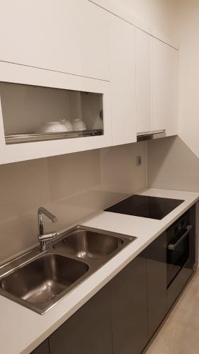 Phòng bếp căn hộ Vinhomes Golden River Căn hộ Vinhomes Golden River đầy đủ nội thất tiện nghi, tầng cao.