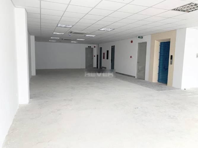 Văn phòng diện tích 120m2 sạch sẽ thoáng mát, khu dân cư sầm uất.
