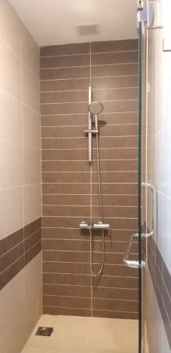 Căn hộ Rivergate Residence quận 4 Căn hộ Rivergate Residence tầng 13 nội thất đầy đủ, view hồ bơi nội khu