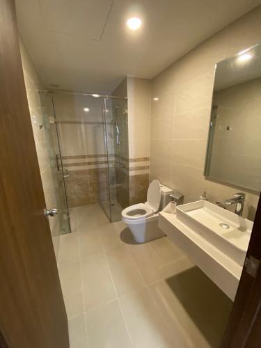 Phòng tắm căn hộ Saigon Royal, Quận 4 Căn hộ Saigon Royal tầng cao cửa hướng Tây Nam, view thoáng mát.