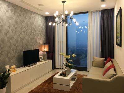 Căn hộ Vinhomes Golden River tầng 37 diện tích 57m2, đầy đủ nội thất.
