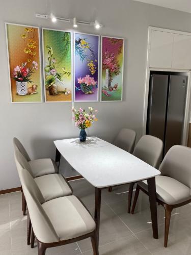 Phòng ăn One Verandah Quận 2 Căn hộ One Verandah tầng trung, view sông và thành phố thoáng mát.